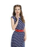 圆点礼服的,发型,秀丽的减速火箭的女孩Pin妇女 免版税库存照片