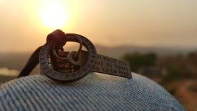 圆环和小盒 免版税库存照片