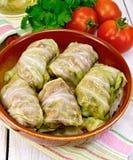 圆白菜充塞用在平底锅的德国泡菜在餐巾 免版税库存照片