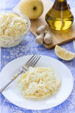 圆白菜沙拉用姜和苹果 库存图片
