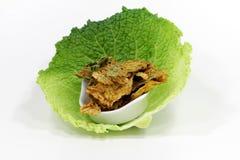 从圆白菜的菜芯片 免版税库存图片