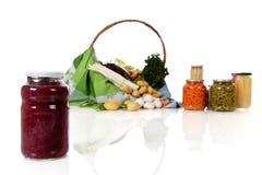 圆白菜罐装瓶子红色 库存图片