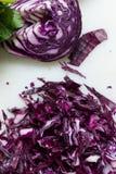 圆白菜被削减的红色 免版税库存图片