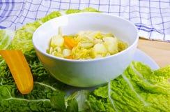 圆白菜parzybroda开胃菜汤 免版税库存照片