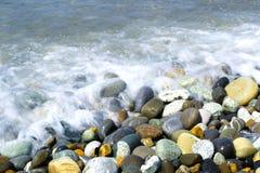圆的光滑的石头 免版税图库摄影