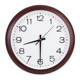 圆的时钟显示一半第九 库存照片