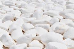圆的白色希腊岩石在圣托里尼 免版税库存照片