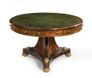 圆的绿色皮革冠上了桌英国古色古香的葡萄酒 免版税库存图片