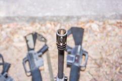 圆筒枪M-16军事武器 免版税库存图片