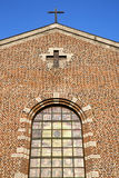 圆花窗意大利伦巴第turbigo老教会 库存照片