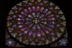 圆花窗耶稣彩色玻璃Notre Dame巴黎法国 库存照片