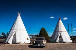 圆锥形小屋村庄- Holbrook, AZ 免版税库存图片