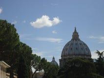 圆顶在圣彼得 图库摄影