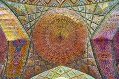 圆顶在Nasir Ol-molk清真寺,设拉子,伊朗 库存照片
