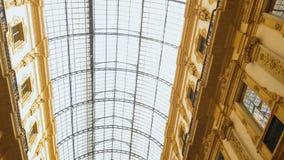 圆顶场所维托里奥・埃曼努埃莱・迪・萨伏伊全景屋顶II,铁和玻璃建筑 股票录像