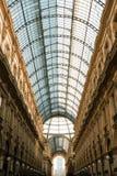 圆顶场所维托里奥・埃曼努埃莱・迪・萨伏伊II米兰-玻璃屋顶 免版税图库摄影