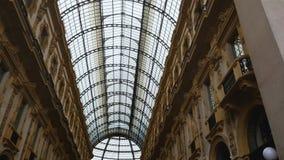圆顶场所维托里奥・埃曼努埃莱・迪・萨伏伊II,全景玻璃屋顶在购物中心,地标 股票录像