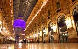 圆顶场所维托里奥Emanuele购物中心在米兰,意大利 库存照片