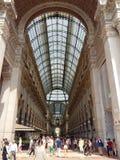 圆顶场所维托里奥Emanuele II在米兰,意大利 免版税图库摄影