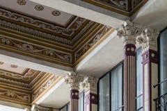 圆顶场所Sciarra的华丽地被绘的和装饰的门面 免版税库存照片