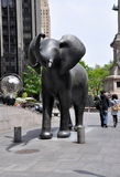 圈子哥伦布大象nyc雕塑 免版税库存照片