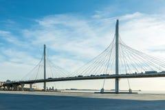 圈子在内娃河的高速公路路桥梁在嘴它附近无危险天 免版税图库摄影