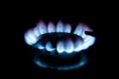 圈子气体火焰在家厨房 免版税库存照片