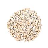 圈子由木头被雕刻的信件做成 图库摄影