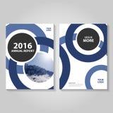 圈子蓝色年终报告传单小册子飞行物模板设计,书套布局设计 图库摄影