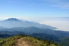从土井Inthanon,泰国的高山的看法 免版税库存照片