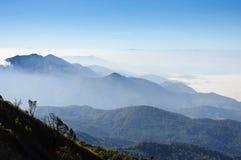 从土井Inthanon,泰国的高山的看法 免版税库存图片