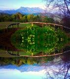 土井luang城镇在chiangmai泰国的dao山在镜子作用 免版税库存照片