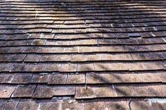 黏土接近的老屋顶纹理瓦片 图库摄影