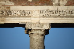 土星寺庙细节在罗马 免版税图库摄影