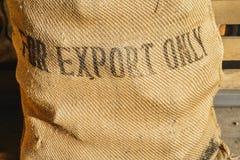 土气咖啡豆袋子 库存照片