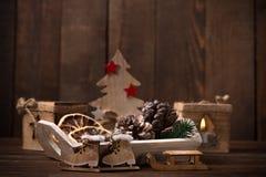 土气圣诞节背景 免版税库存图片