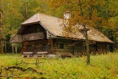 土气木材房子。St Bartholoma.Konigssee.Germany 免版税库存照片
