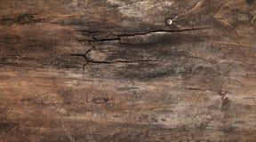 土气木桌 免版税库存图片