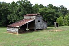土气木谷仓,乔治亚,美国 免版税库存照片