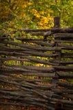 土气柳条的篱芭 免版税库存照片