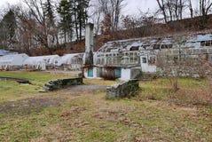 土气温室废墟 库存照片