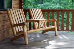 土气的轻便折椅 免版税库存照片