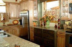 土气美丽的厨房 免版税库存照片