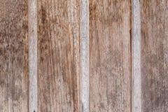 土气被风化的谷仓木头背景 图库摄影