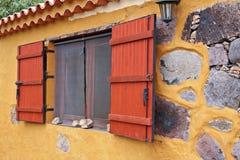 土气西班牙视窗 免版税库存照片