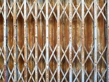 土气钢折叠的滚滑门 免版税库存图片