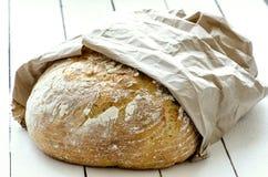 土气面包的大面包 免版税库存图片