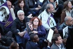 土耳其人,亚美尼亚人在Ä°stanbul纪念亚美尼亚'genocide' 免版税图库摄影