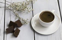土耳其咖啡和巧克力 免版税库存照片
