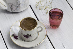 土耳其咖啡和杯水 图库摄影